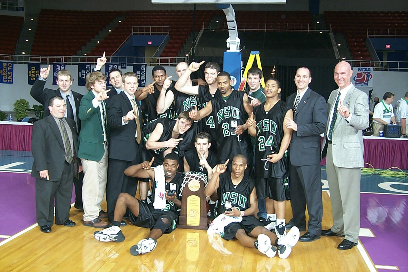 2003 National Championship Team To Be Inducted Into Nsu Hall Of Fame